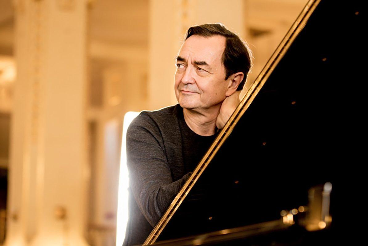 Pierre-Laurent Aimard, piano