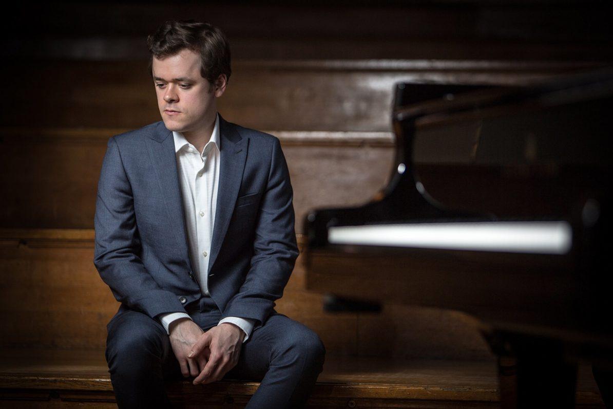 Benjamin Grosvenor, piano